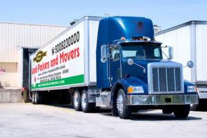 18-wheeler-Lead-Packers-Truck